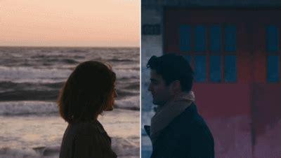gif de amor a distancia enamorada de todo y al mismo tiempo de nada