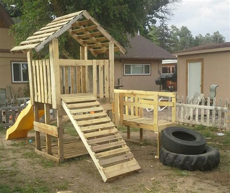 pallet play house my pallet playhouse reese s natural playground pinterest