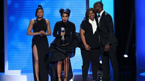what is the difference between afro and milo kinky naacp image awards 2017 inside the ceremony variety