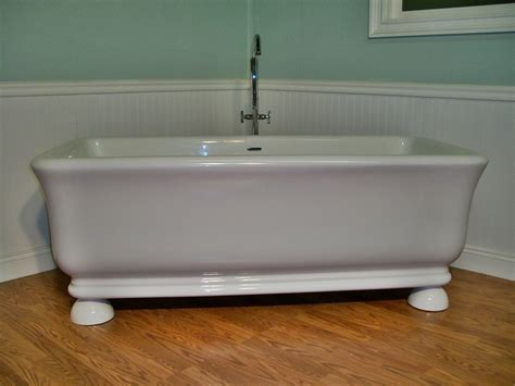 jovin  standing pedestal unique designer bathtub clawfoot tub