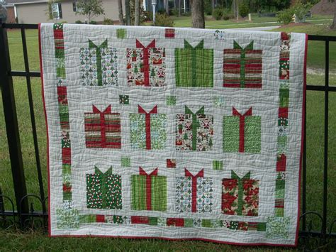 flurry holiday gifts quilt and placemats quilting