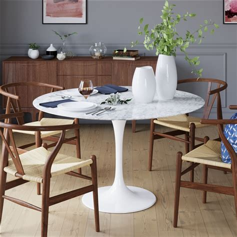 saarinen tulip  marble dining table