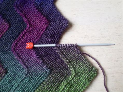 ravelry knitting ten stitch zigzag knit reversible and self joining