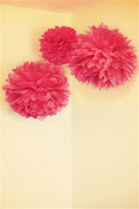 How To Make Puff Balls From Tissue Paper - easy diy tissue paper puff balls also