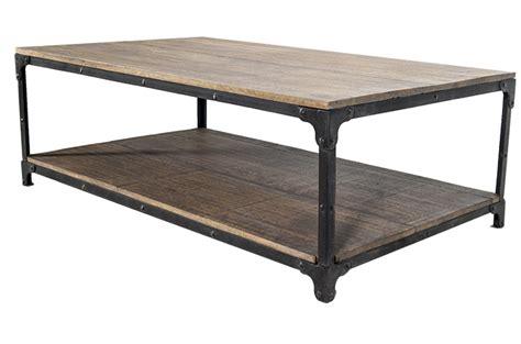 Mesas de centro en madera y hierro para café bar o cafetería