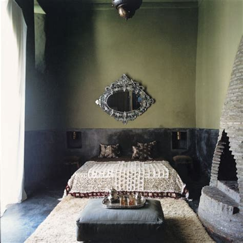 moroccan man in bed eastern and african style bedroom decor the man cave