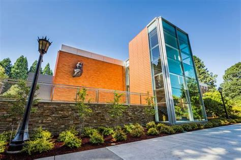 Of Portland Mba Cost by Cus Tour Construction New Buildings Reshape Oregon