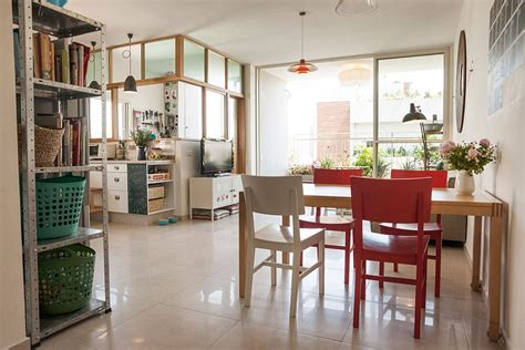 Cheap Furniture Tel Aviv by Stylish Seaside Apartment In Tel Aviv Gets A Gorgeous