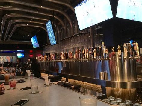 yard house springfield va check the lineup of beer taps and the pipes in the ceiling picture of yard house