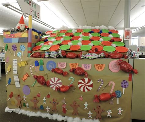 gingerbread house office cubicle decorations bcbsm employee spreads cheer with ultra festive cubicle decorating ideas