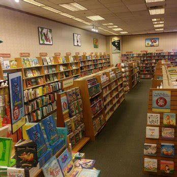 barnes and noble kids section barnes noble 12 photos 55 reviews bookshops 1091