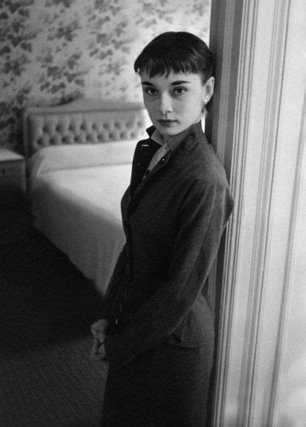 audrey hepburn biography in spanish 1787 best audrey hepburn images on pinterest breakfast
