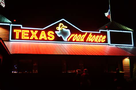 texas raod house texas roadhouse the 10 best chain restaurants for a date complex