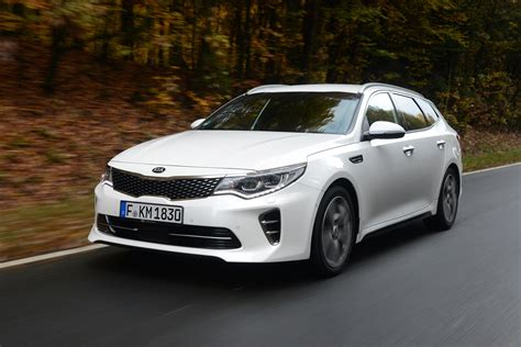 Kia Gt Review Kia Optima Gt 2016 Review Pictures Auto Express