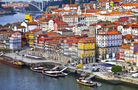 o porto portogallo il quartiere storico di ribeira 232 costituito foto