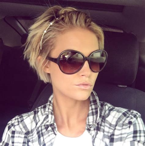 hairstyles for growing out short hair the 25 best growing out short hair ideas on pinterest