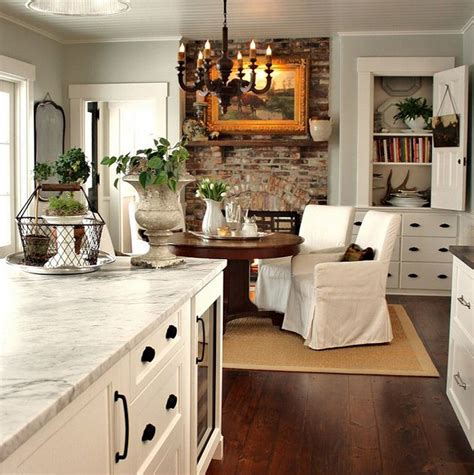 rooms  love farmhouse kitchen  distinctive cottage