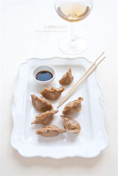 cucina cinese ravioli al vapore jiaozi ravioli al vapore cinesi di carne