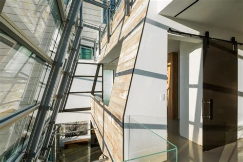 slanted curtain wall 14m soho glass penthouse perfect for high society