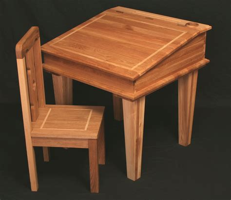 Small Childs Desk How To A Quality Wooden Desk In Your Office Jitco Furniturejitco Furniture