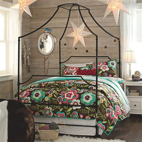 brass bed song 10 ways to give your bedroom a bohemian twist