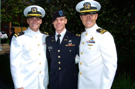 Us Navy Officer Uniforms us army officer 2013