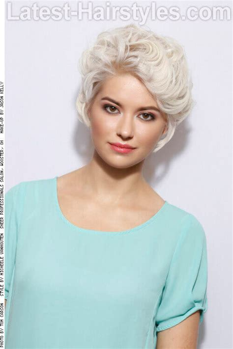 Disconnected Pixie Hairstyle by Haircutting Stories With Pictures Hairstyle 2013