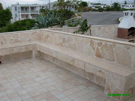 panchina in pietra pietre per rivestimenti interni ed esterni e tozzetti per