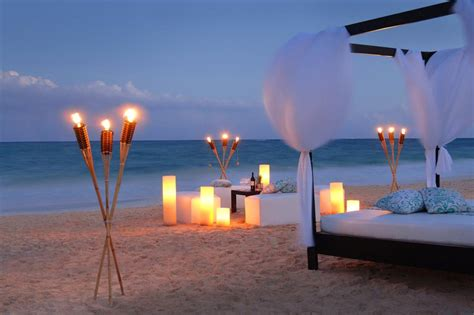 romantic beach some ideas about the perfect romantic weekend on a lonely
