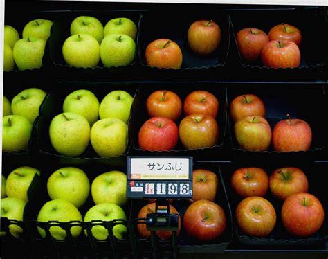 fruit in japanese fancy fruit the japans