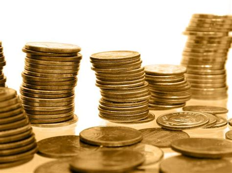 10 Gram Silver Coin Price In Delhi Today - gold hits 14 month low dips below 27k level oneindia news