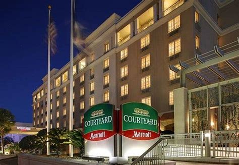 places to stay in charleston sc historic district courtyard by marriott charleston historic district sc