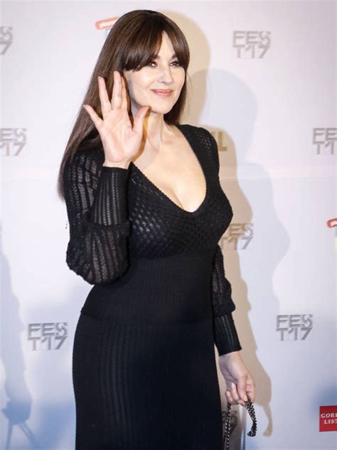 Spectre Film by Monica Bellucci 52 Flashes Major Cleavage In Curve