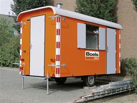 mobiele toilet te koop toiletwagen huren specialist in sanitaire voorzieningen