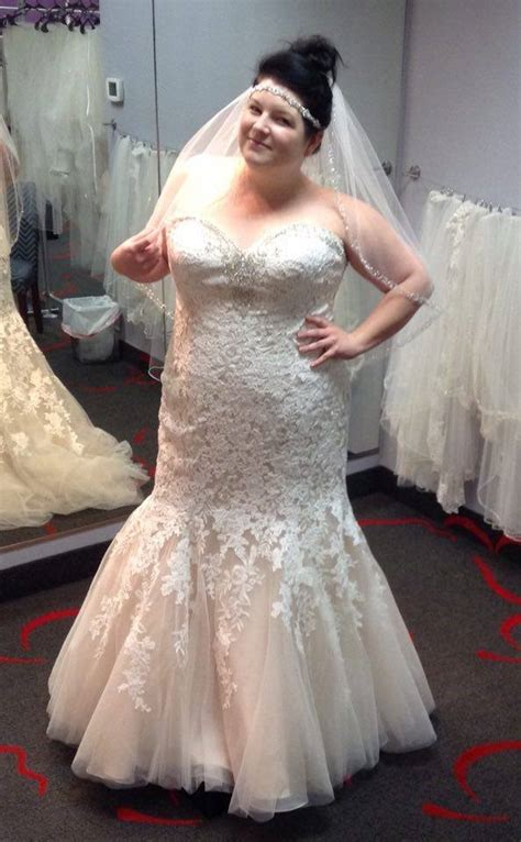 NEW DRESS ALERT: Plus Size Lace Mermaid Bridal Gown with