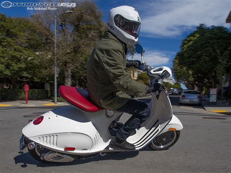 Zelioni Vespa 946 Special Edition vespa 946 scooter review motorcycle usa