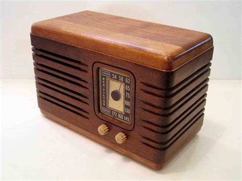 Handcrafted Radio - handmade vintage speaker system with am fm radio gadgetsin