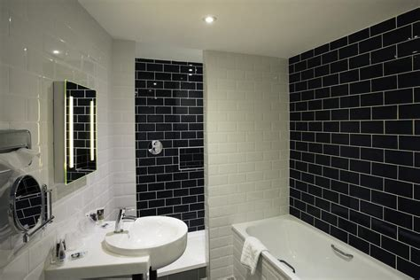 b q en suite bathrooms mercure doncaster centre danum hotel doncaster