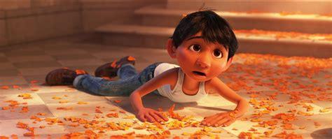 film coco quel age miguel rivera personnage dans coco pixar planet fr