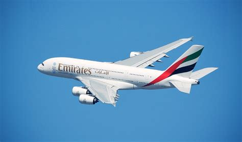 emirates earn miles earn up to 20 back on hotels miracle landing in
