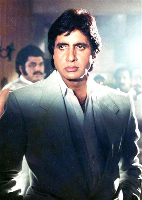 biography of movie coolie 15 different avatars of amitabh bachchan filmy keeday