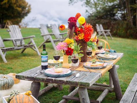 outdoor table setting 15 table settings that are sure to impress entertaining