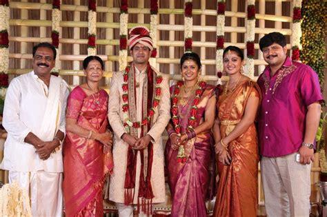 anushka shetty marriage husband details 25cineframes actress anushka shetty rare and unseen family photos