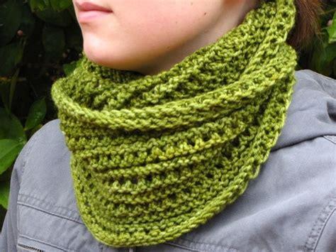free cowl knitting pattern emerald isle cowl free pattern knit cowls