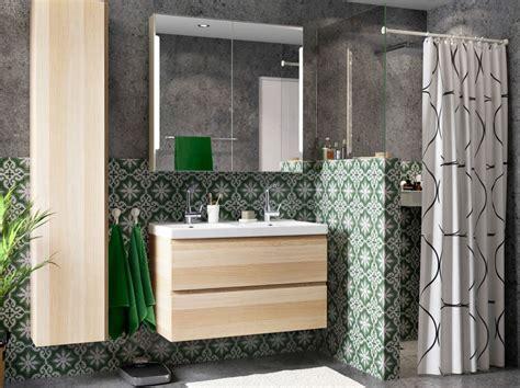 ikea badezimmer hochschrank godmorgon ein badezimmer mit godmorgon waschbeckenschrank mit 2