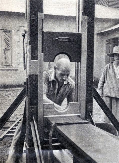 girl beheaded by guillotine la guillotine