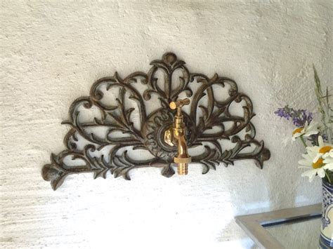 Garten Deko Wand by Garten Deko Wand Ornament Mit Wasserhahn Messing