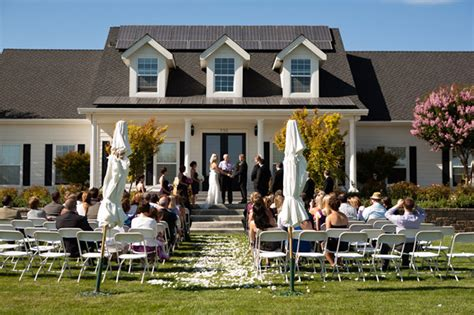 planning a home wedding and memorable home