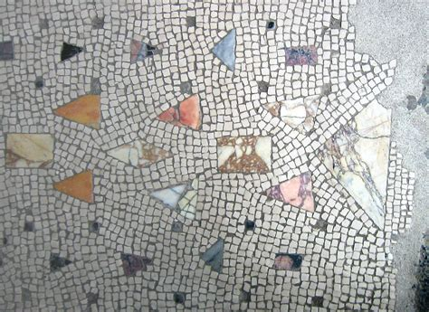 file herculaneum mosaic floor with marble inlay jpg wikimedia commons