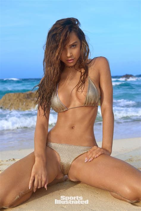 alexis ren in sports illustrated swimsuit 2018 issue hawtcelebs